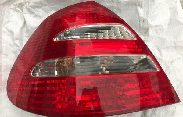 Фонарь задний левый Mercedes-Benz W211