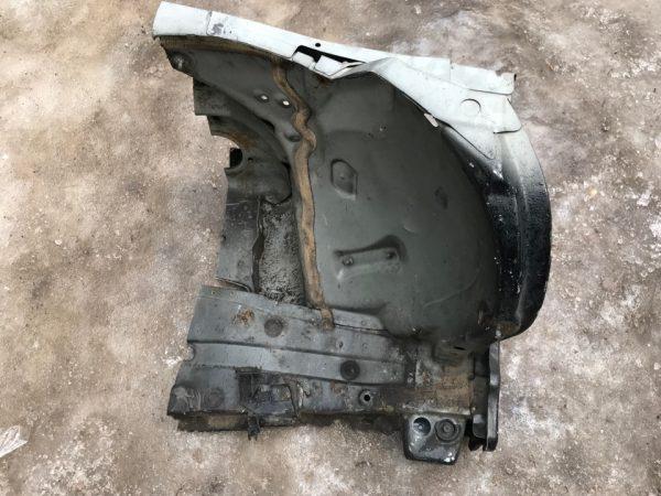 Лонжерон левый передний Mercedes W211