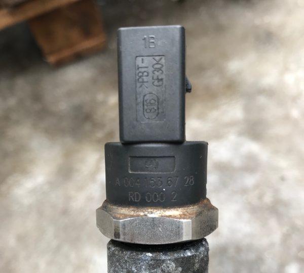 Датчик давления топлива Mercedes A0041536728, A0061536528
