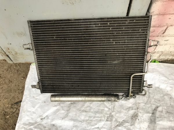 Конденсатор радиатор кондиционера Мерседес W211 A2115000154