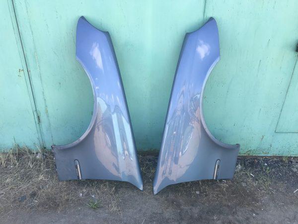Переднее крыло для Мерседес W211 голубое