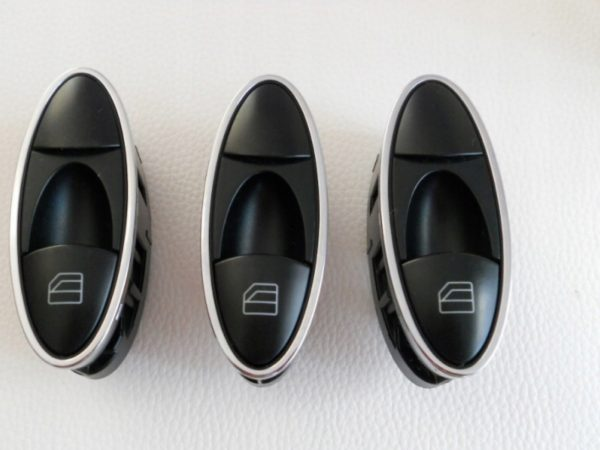 Кнопка заднего стеклоподъемника Mercedes W211