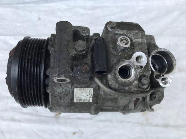 Компрессор кондиционера Mercedes W212 om642 BlueTEC