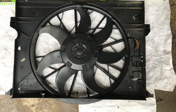 Вентилятор охлаждения радиатора Mercedes-Benz W211