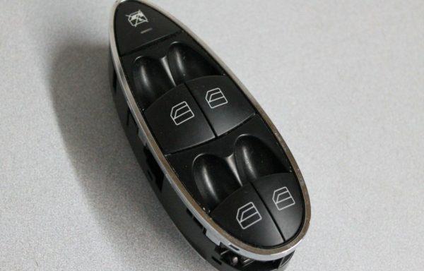 Блок кнопок стеклоподъемников Mercedes-Benz W211
