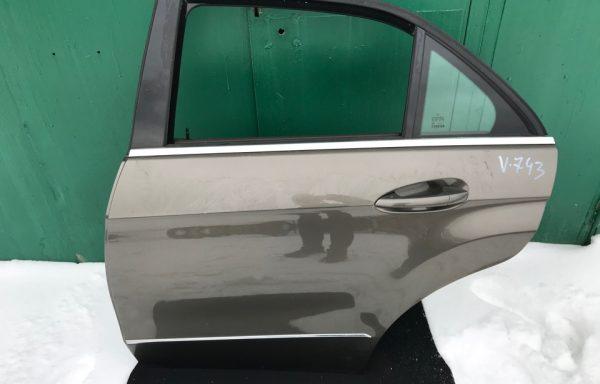 Задняя левая дверь Mercedes-Benz W212